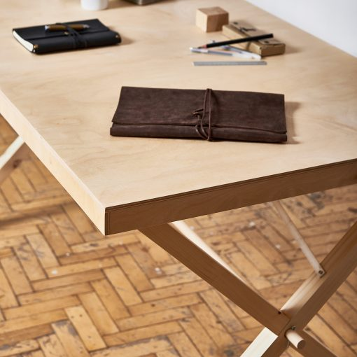 stół ekspozycyjny