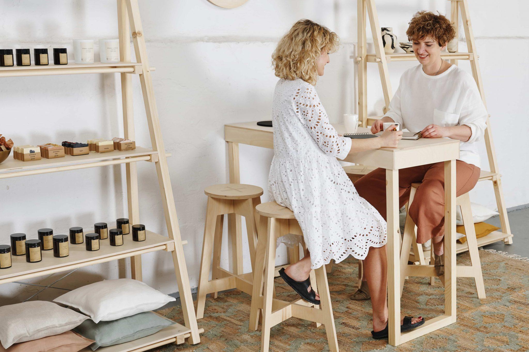 Zestaw mebli na spotkania z klientami